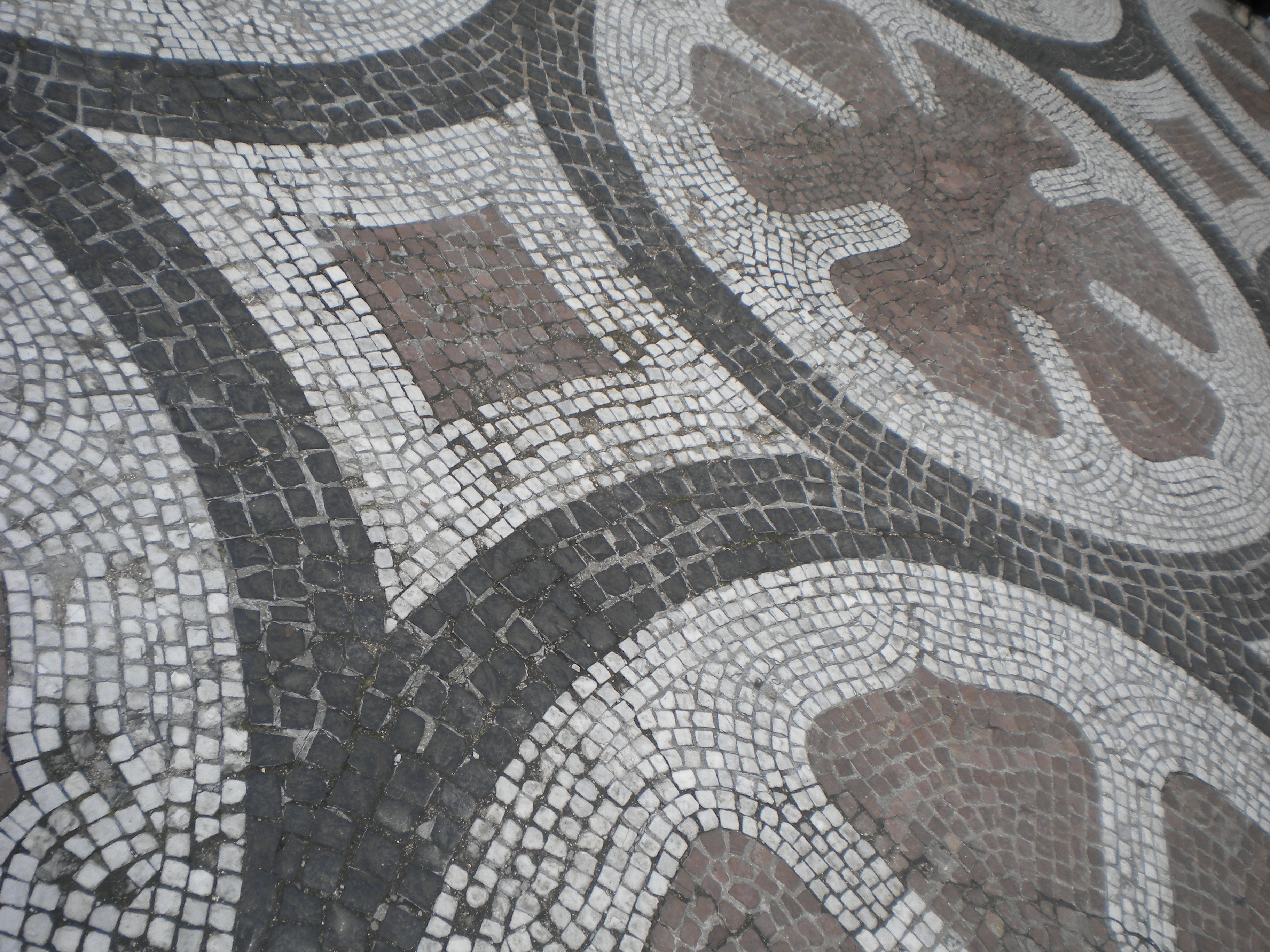 amelianborg castle 3 – mosaic tiles | temporarily lost