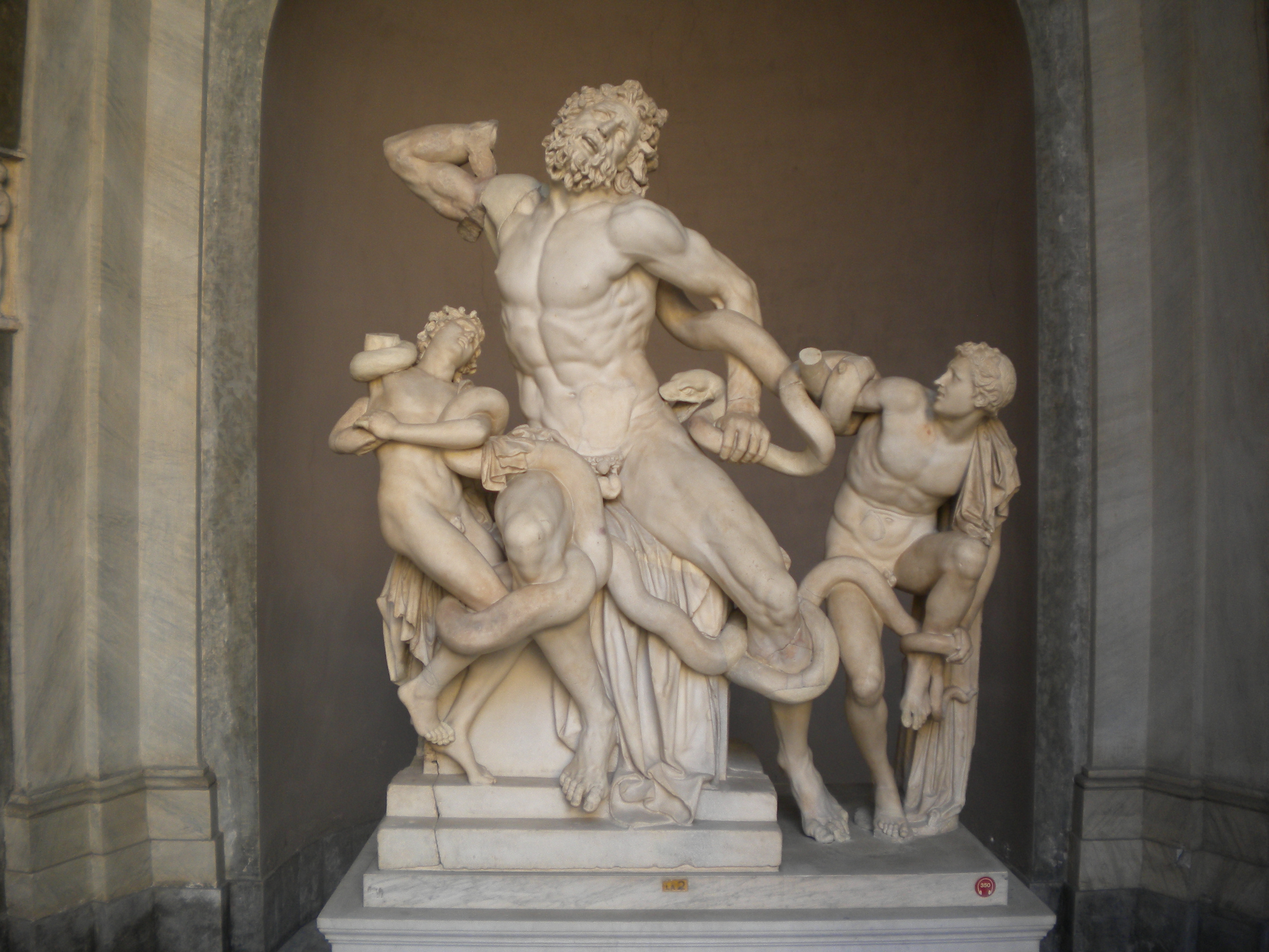 Vatican Museums 2 – Laocoon | Temporarily Lost