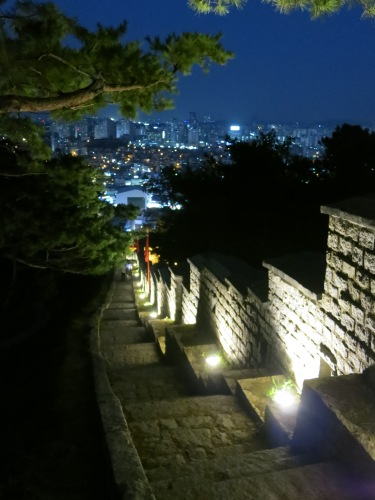 Hiking the fortress walls at night
