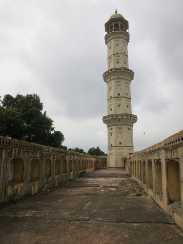Looking up at the Iswari Minar Swarga Sal