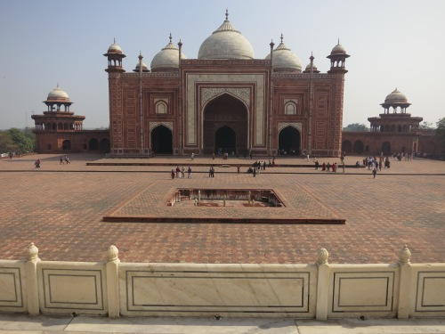 Symmetrically placed to the East and West of the Taj Mahal are two more identical buildings, a red sandstone mosque and this jawab