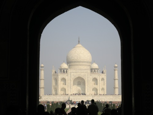 Then the goosebumps come when you finally catch a glimspe of the Taj Mahal itself through the gateway's arch