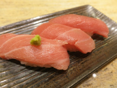 Besides the fresh horse mackerel, I also opted for a trio of tuna: regular, semi-fatty, and extra fatty