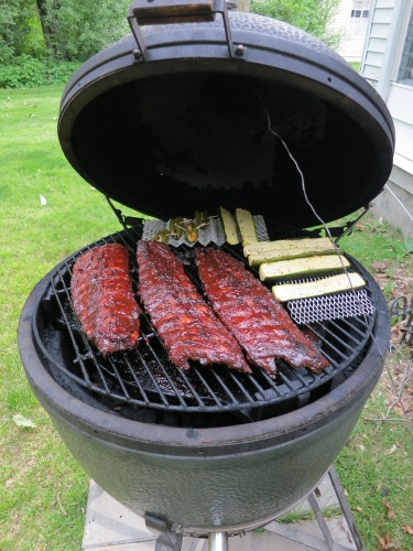 One can also never go wrong with a classis: Smokey BBQ ribs....Mmmmmmmm....(drools on self)....