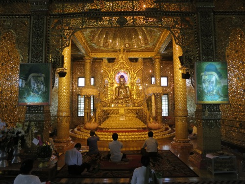 The gilded Buddha that lies in a sub-temple of the complex