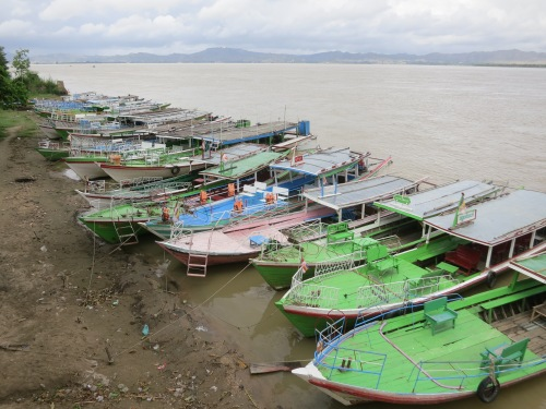 Bu-paya 14 - Boats