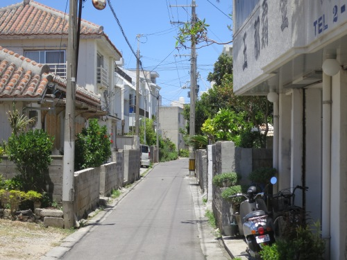 The streets of Ishigaki City – this is just about as lively as it gets