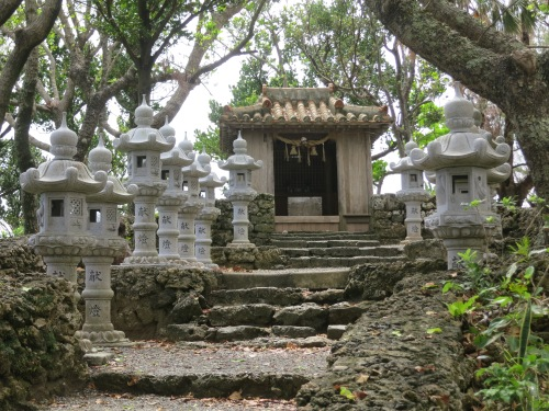 A small but endearing shrine near the entrance to the bay