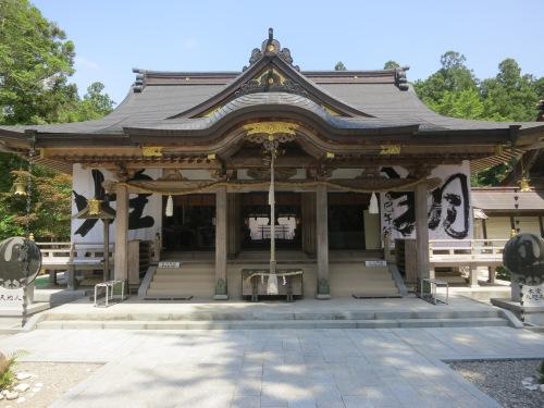 A smaller hall just beside the Main Hall of the Kumano Hongu Taisha