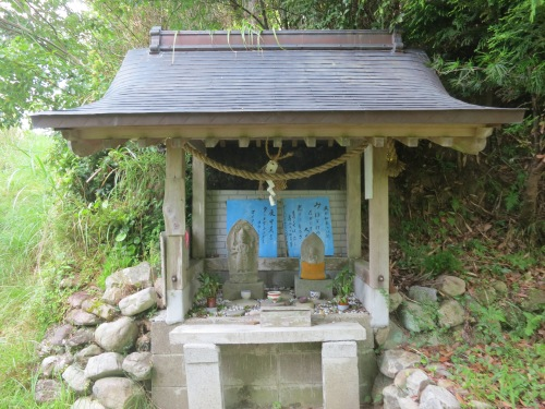 Kumano Kodo 42 - Small Shrine