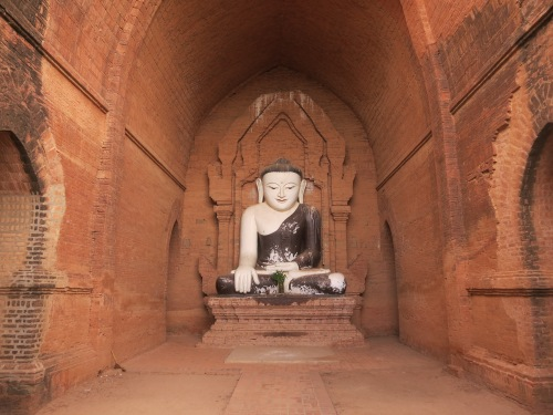 A seated Buddha image inside the Pya-tha-da Pagoda