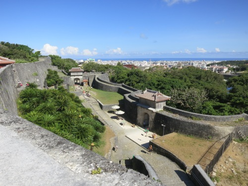 The view over the castle walls, back towards the ocean