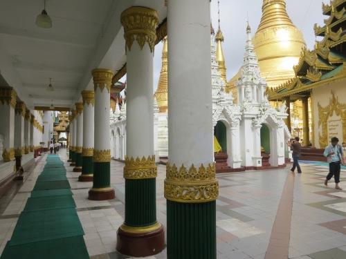 Shwe Dagon Paya 26 - Perspective